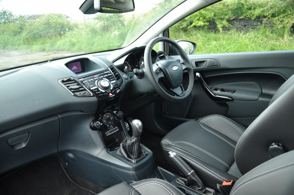 Ford Fiesta Metal 1-6 TiVCT Duratec 134PS Road Test Review by Oliver Hammond - front cockpit
