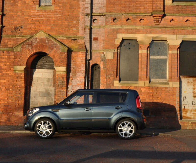 Kia Soul Hunter 1-6 GDi petrol - Road Test Review by Oliver Hammond - side 06