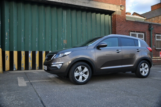 Kia Sportage 2-0 CRDi KX-2 AWD road test review - side 01