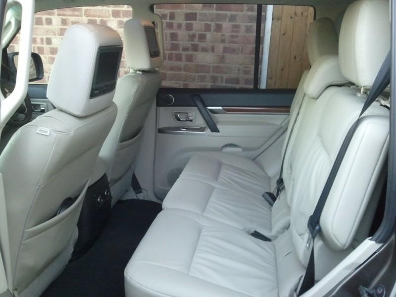 MY 2012 Mitsubishi Shogun LWB SG4 Road Test Review by Oliver Hammond - rear seats DVD