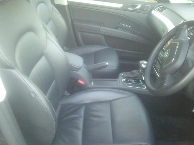 Skoda Superb Estate 2-0 TDI CR 140PS DSG DPF Elegance Road Test Review by Oliver Hammond - front seats
