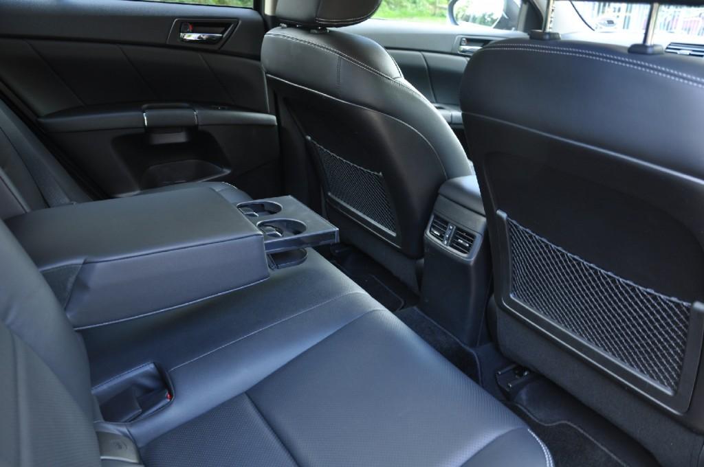 Suzuki Kizashi road test review by Oliver Hammond - photo - back seats legroom