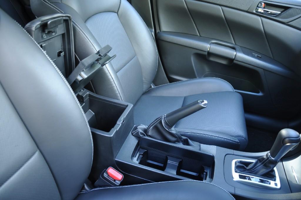 Suzuki Kizashi road test review by Oliver Hammond - photo - storage
