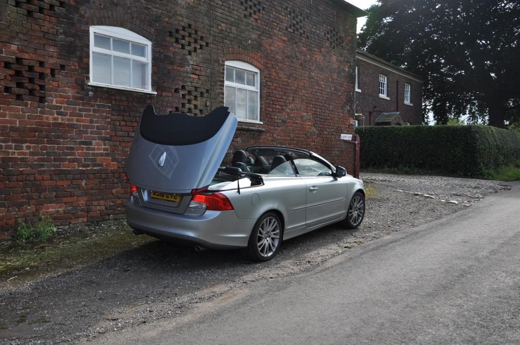 Volvo C70 D3 150PS Geartronic SE Lux Solstice road test review by Oliver Hammond - roof folding photo