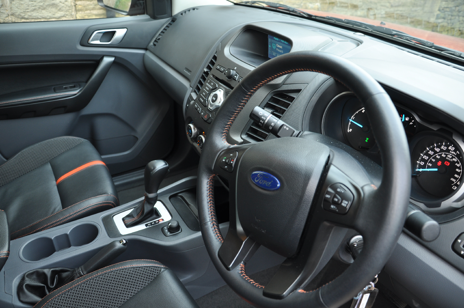 2012 Ford Ranger Wildtrak 3-2 diesel automatic road test review by Oliver Hammond photo - dashboard