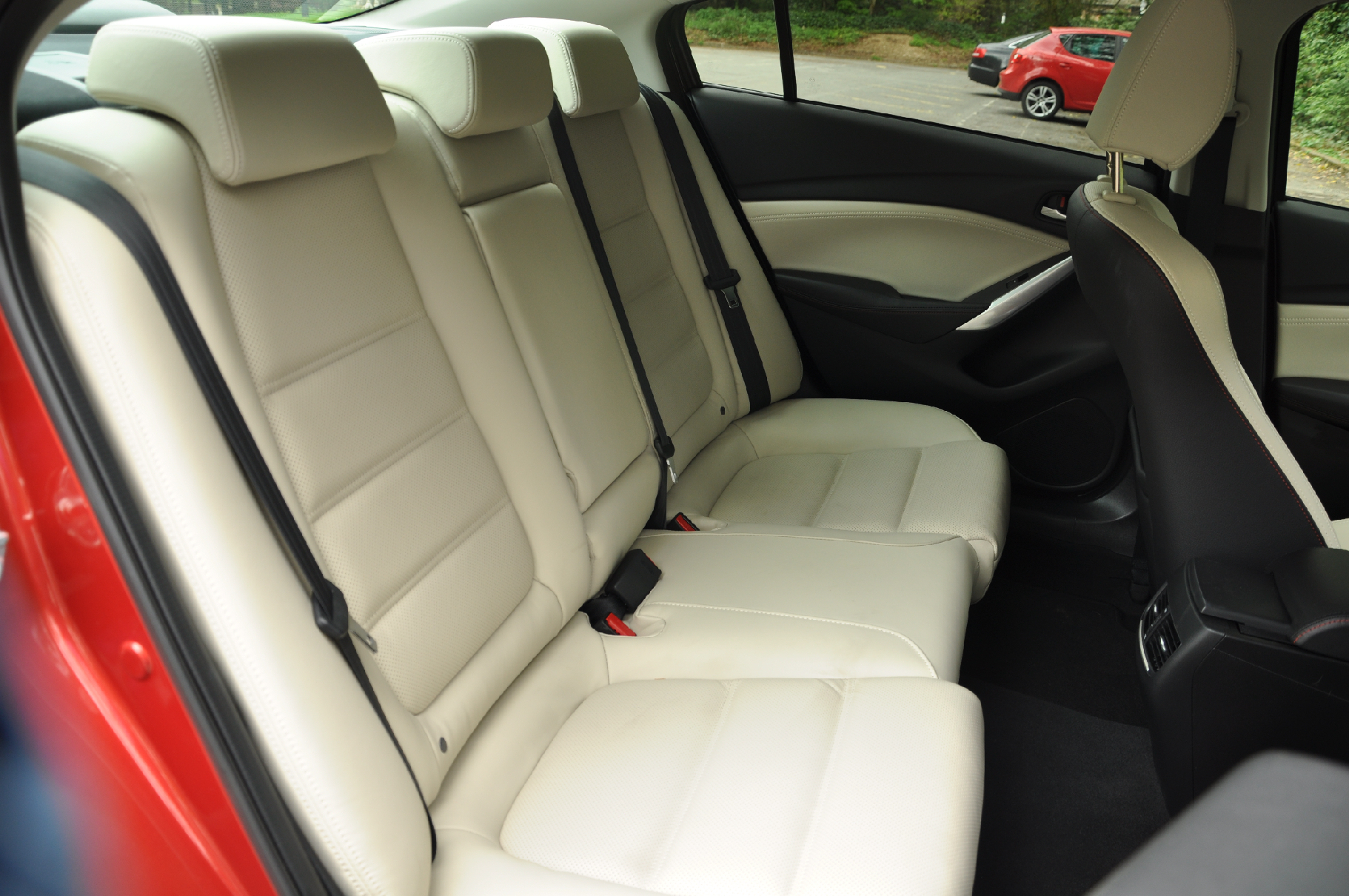 2013 Mazda6 2-2 diesel Sport Nav 175PS manual saloon road test review by Oliver Hammond Simons Car Spots - photo rear seats